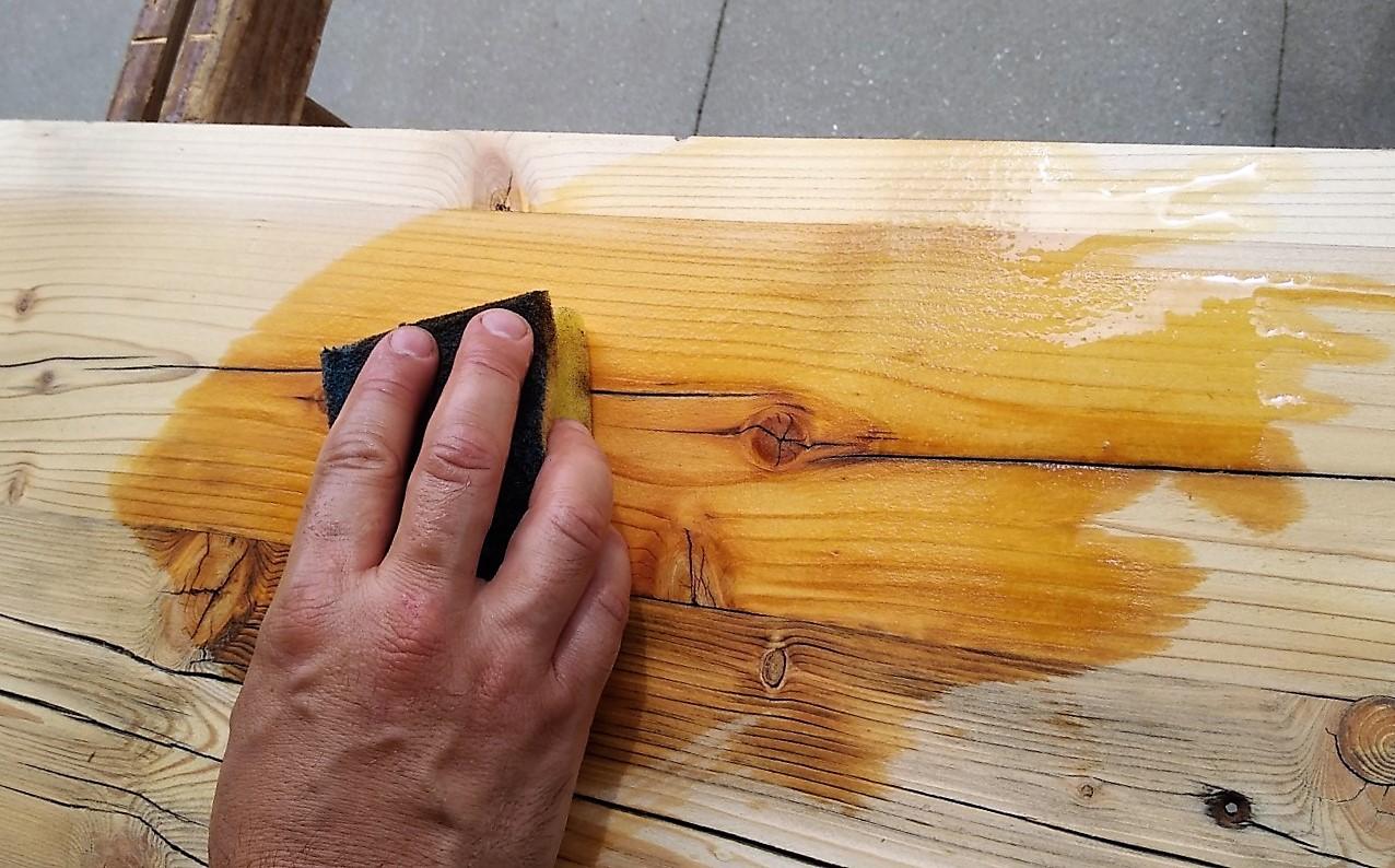 Holz nässen